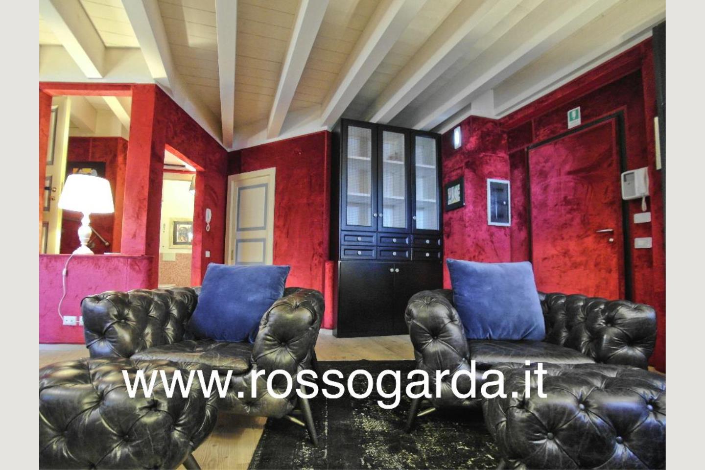 salone Attico vista lago Desenzano vendita