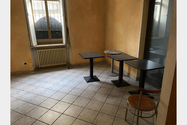 Negozio in Affitto Varese