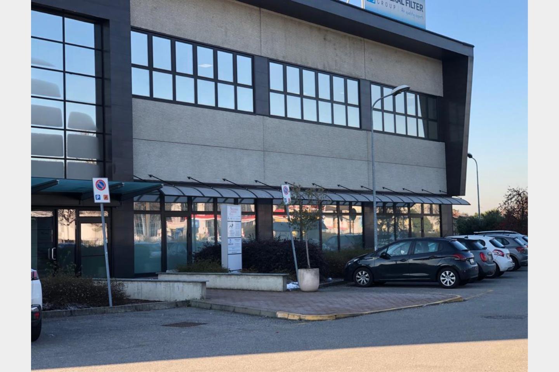 Immobile Commerciale in Affitto Pogliano Milanese