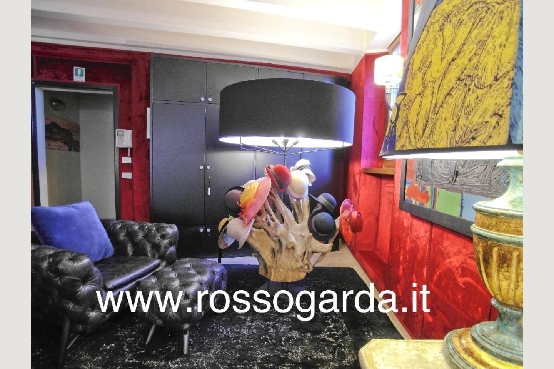 Salotto  Attico vista lago Desenzano vendita