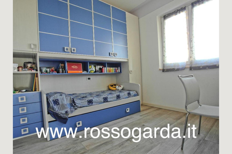 Villa Bifamiliare vendita Padenghe camera