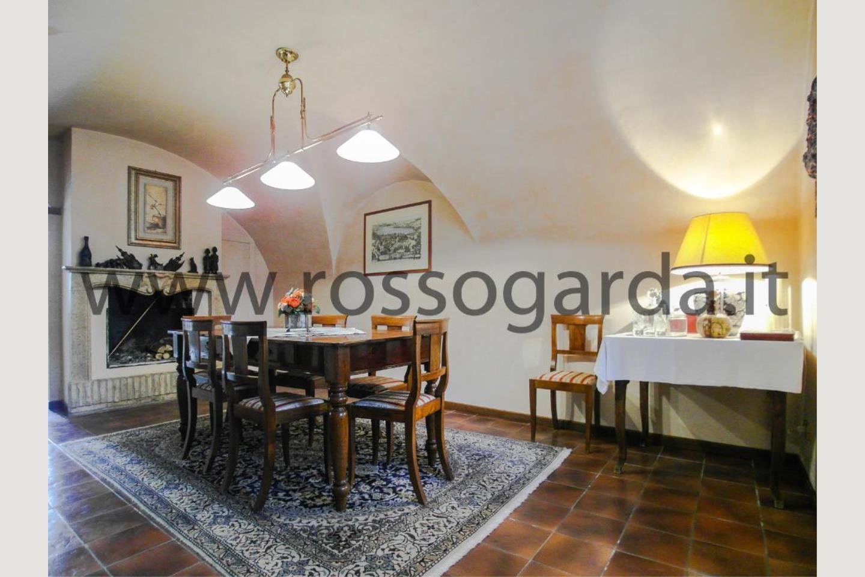 Sala pranzo villa con piscina vendita Pozzolengo