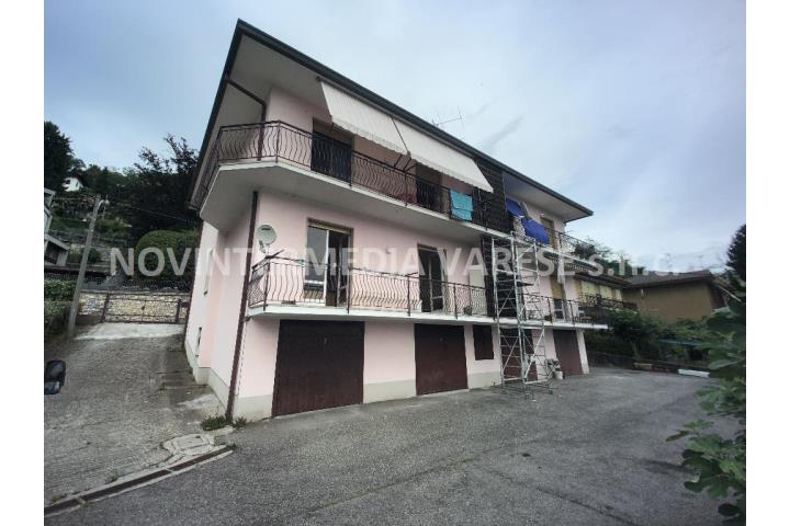 Villa quadrifamiliare in Vendita Cocquio-Trevisago