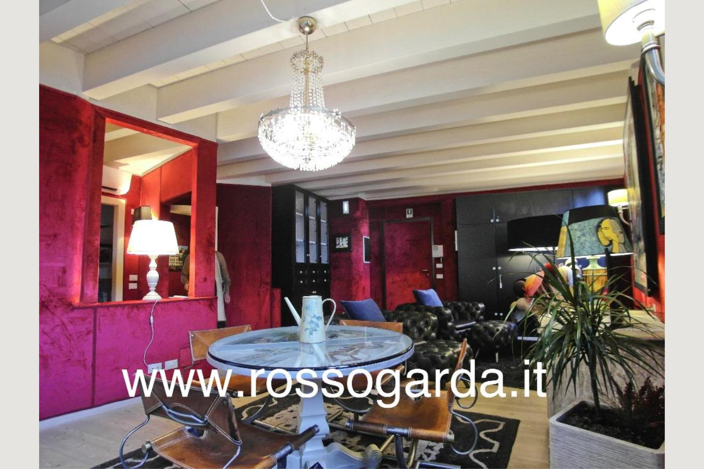 sala pranzo Attico vista lago Desenzano vendita