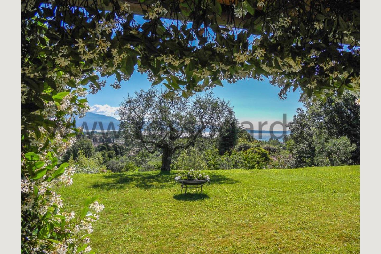 vista giardino Villa vista lago San Felice vendita