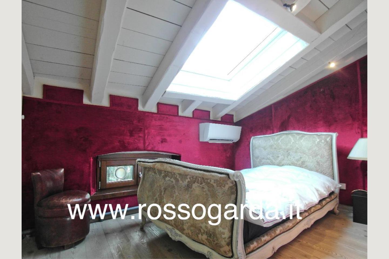 camera 2 Attico vista lago Desenzano vendita