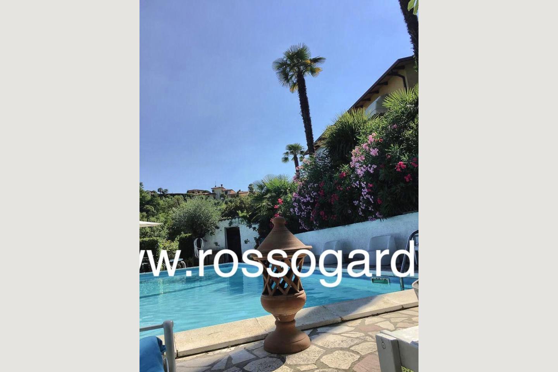 Piscina villa vista panoramica Soiano