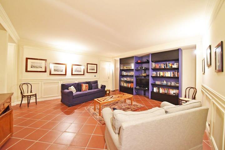 Villa in Vendita Besana in Brianza