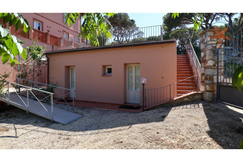 Villa trifamiliare in Vendita Rio