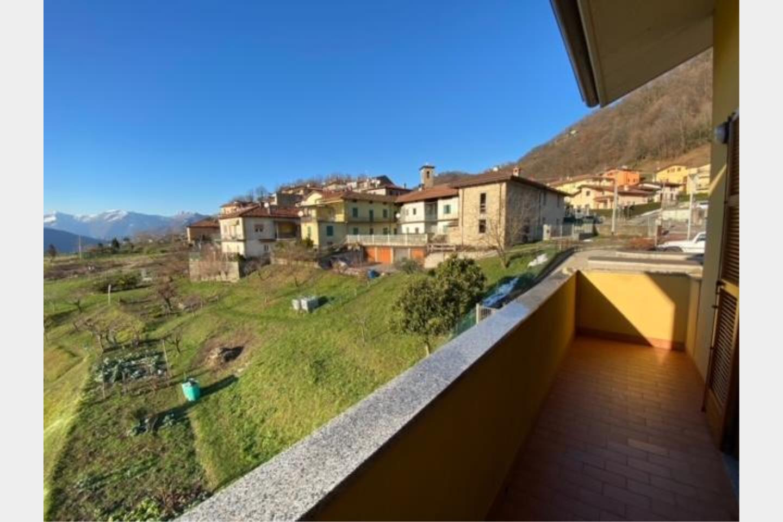Villa bifamiliare in Vendita Calolziocorte