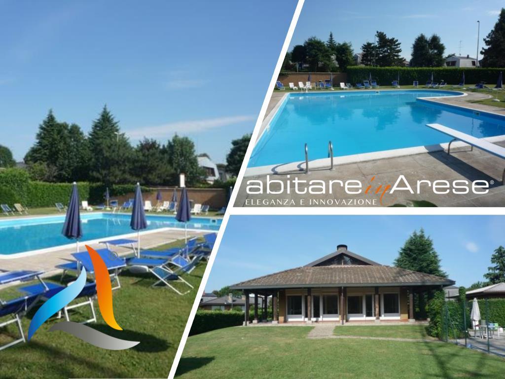 Euro 2.900 - Elegante Villa Singola in Residence con piscina, tennis, custode.