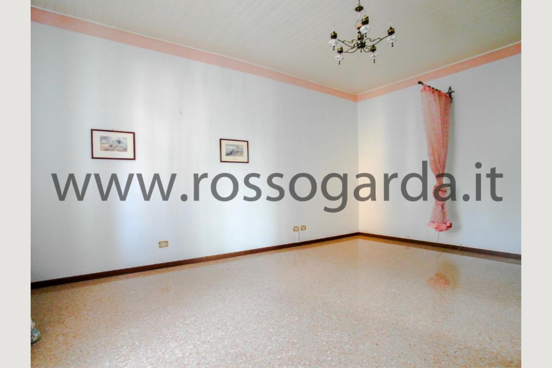 Camera ospiti villa con piscina vendita Pozzolengo