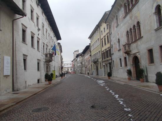 Ufficio/appartamento in Via Belenzani a Trento