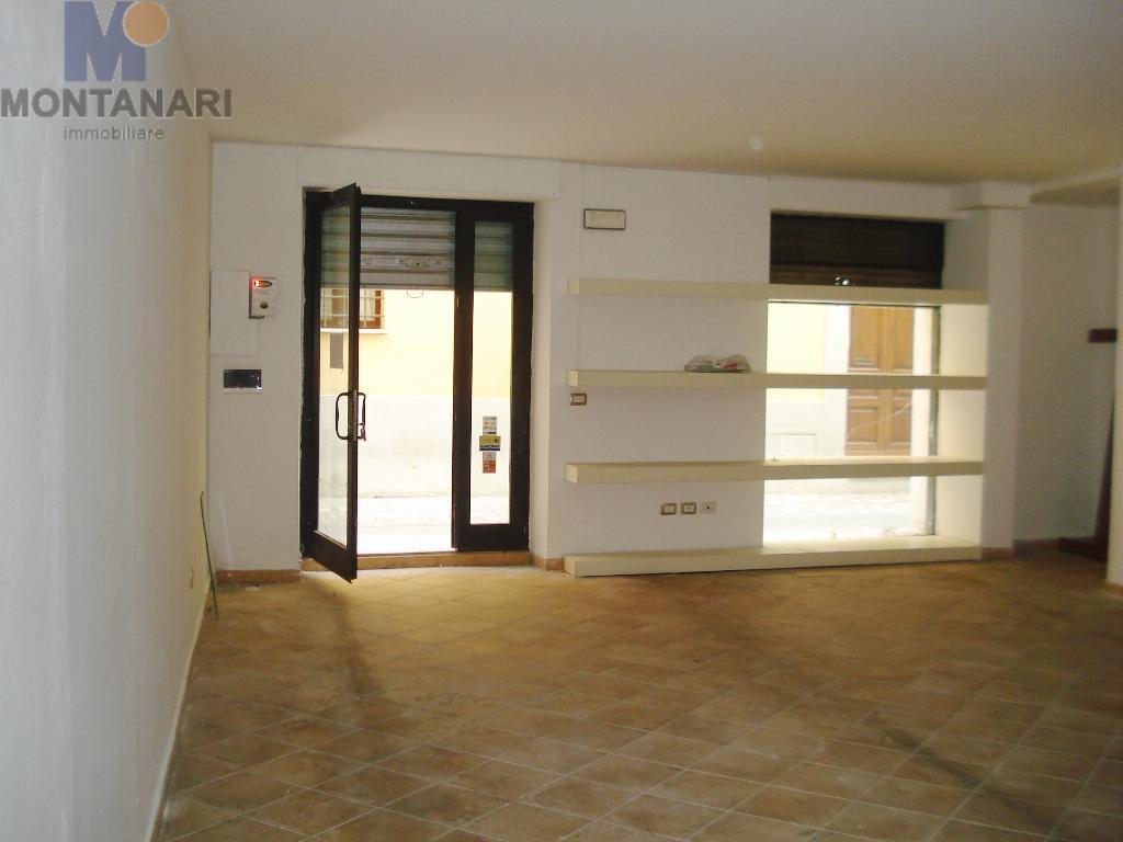 Umbria Foligno Locale Commerciale in Vendita Centro Storico