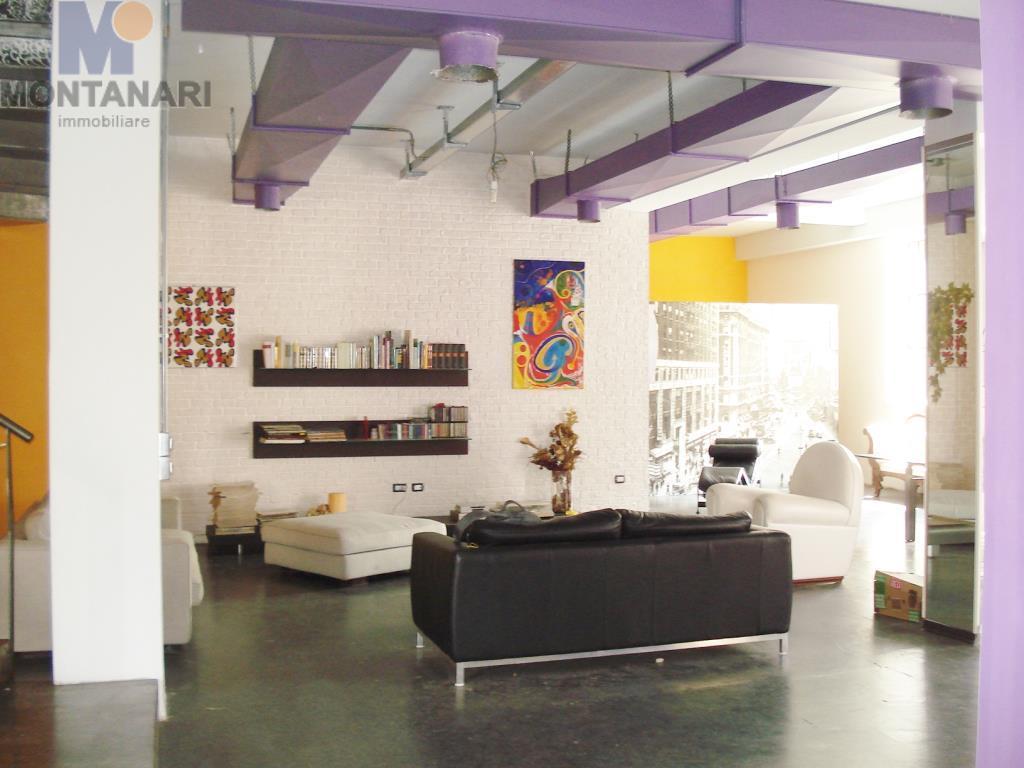 Foligno vendesi proprietà pluriuso Loft  Commerciale Uffici