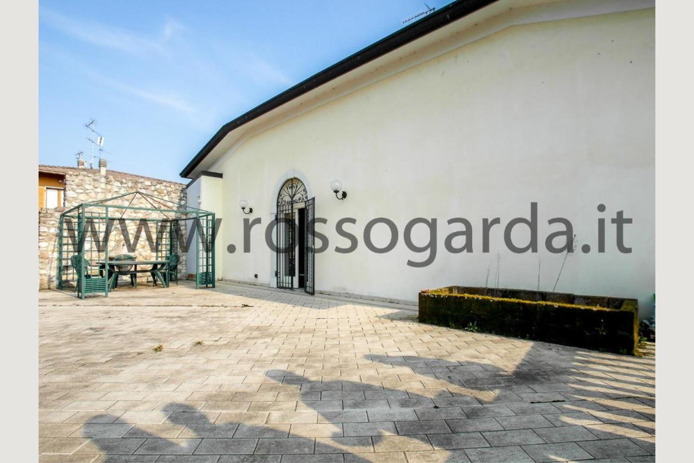 Terrazza di villa con piscina vendita Pozzolengo