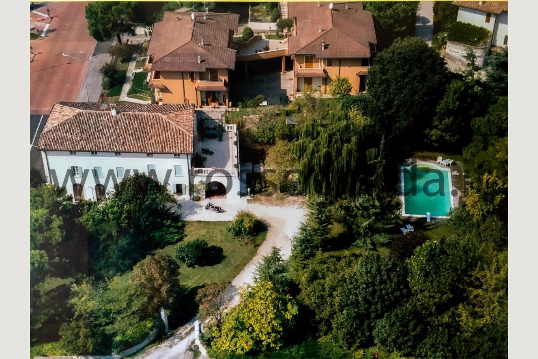 Villa padronale con piscina in vendita Pozzolengo