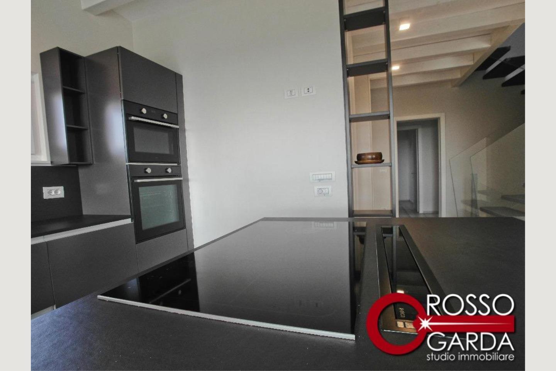 Villa in vendita Lonato particolare cucina
