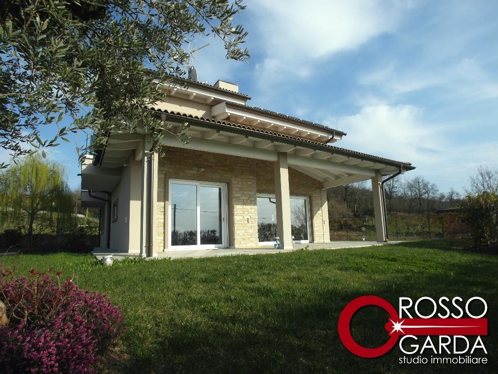 Nuova splendida Villa Singola in Bioedilizia Classe A 4 in vendita a Lonato del Garda