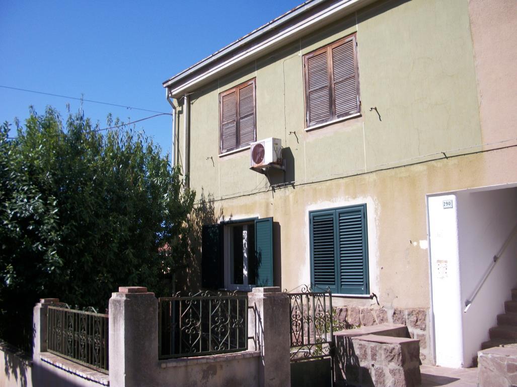Carbonia Appartamento Piano Primo Garage