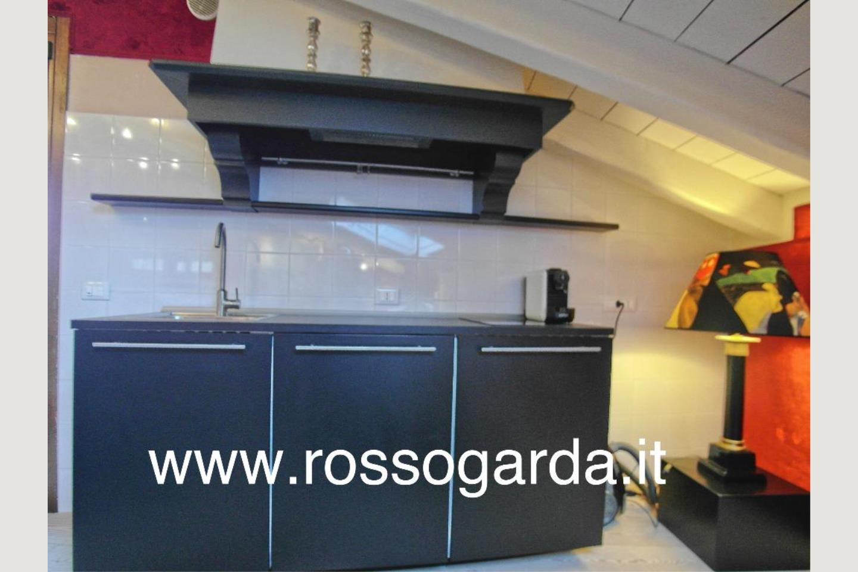 Cucina 1 Attico vista lago Desenzano vendita