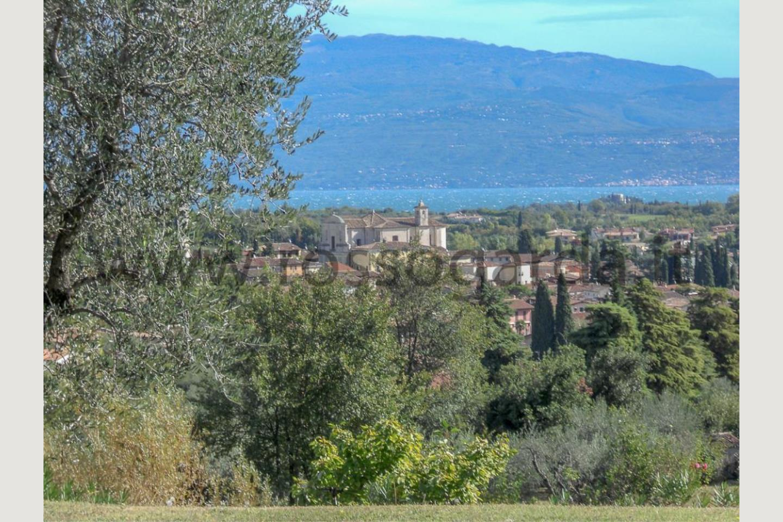 Vista di Villa a San Felice in vendita