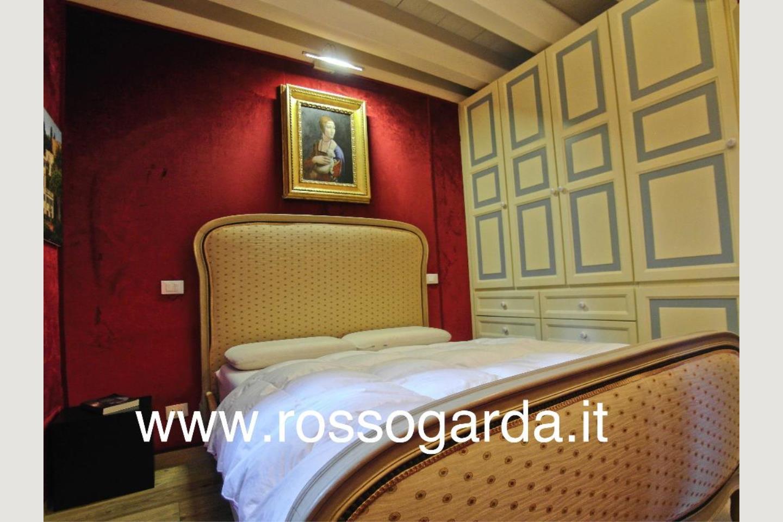 Camera 3 Attico vista lago Desenzano vendita