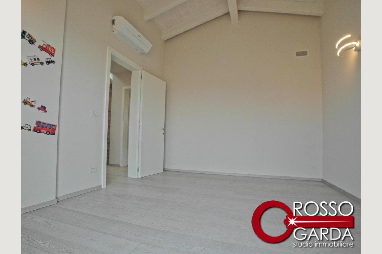 Villa in classe A vendita Lonato camera 3