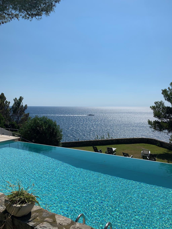 elbaluxury.it - Villa pied dans l'eau con infinity pool.