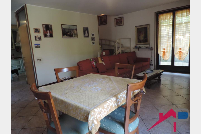 Villa a schiera in Vendita Pontida