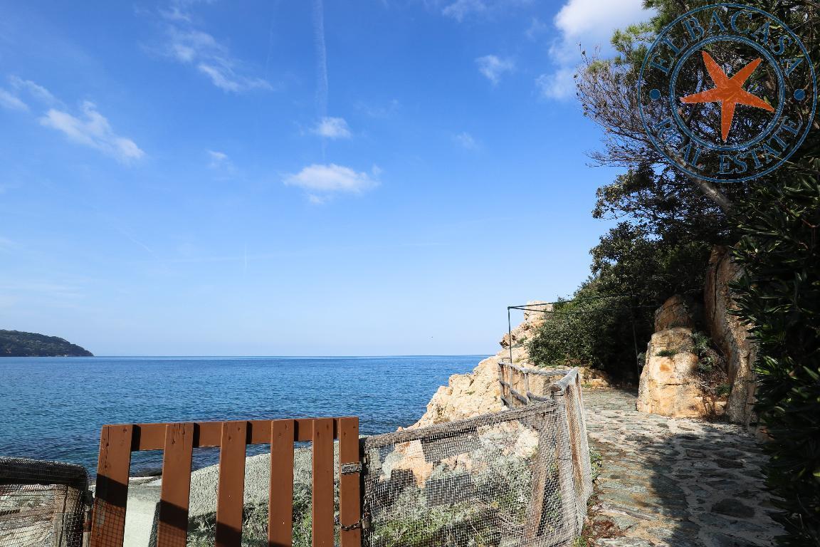 Lussuosa villa con accesso privato al mare