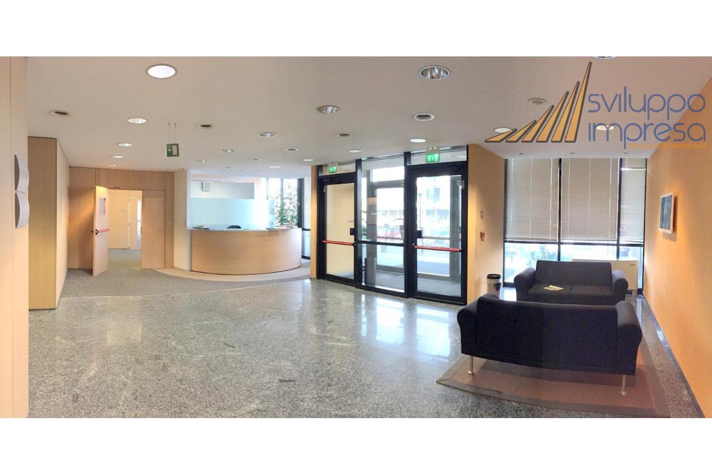 zona reception condominale al piano terra