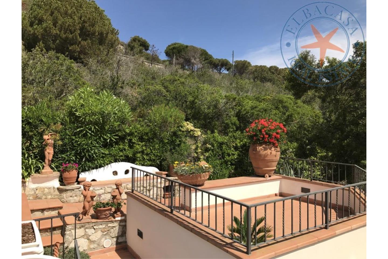 Villa bifamiliare in Affitto Capoliveri