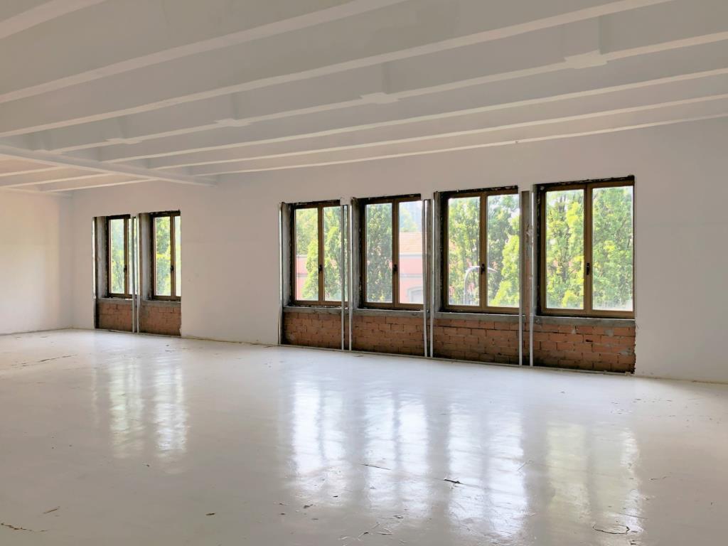 Milano Viale Stelvio - Open Space in Locazione - 540 mq