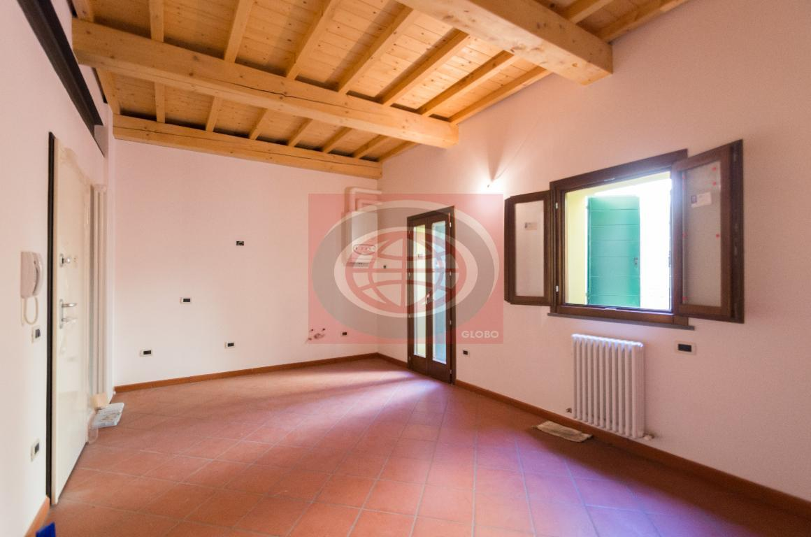 Cesena, in centro città appartamento COME NUOVO
