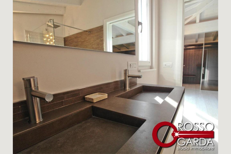 Particolare bagno 3 Villa classe A vendita Lonato