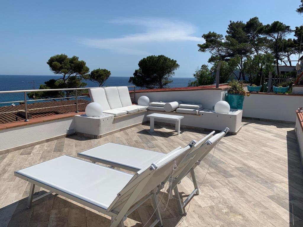 www.elbabnb.it - capoliveri - Villetta vista mare, accesso al mare