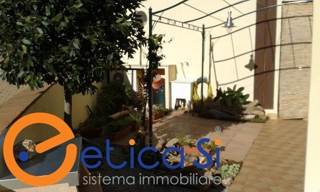 ISOLA D'ELBA (LI) - CAVO - Trilocale in vendita, piano terra, ottimo stato