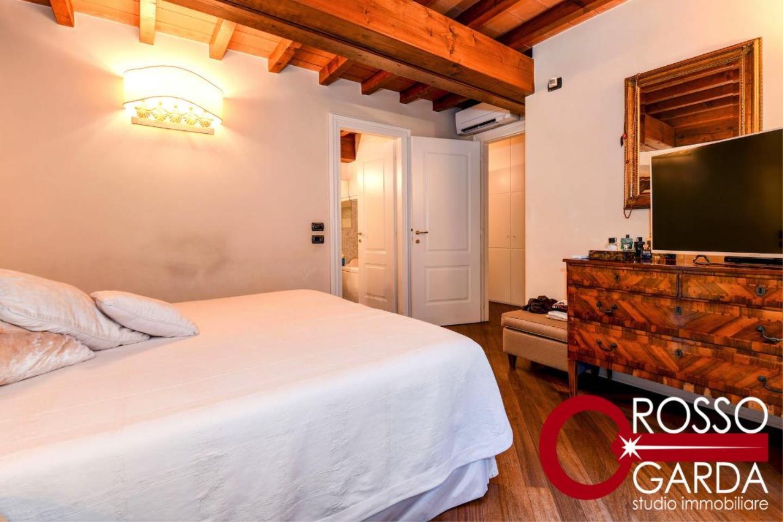 Attico centro Desenzano vendita camera letto 1
