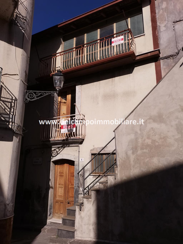 Centro Storico di Randazzo Casa singola quasi interamente ristrutturata