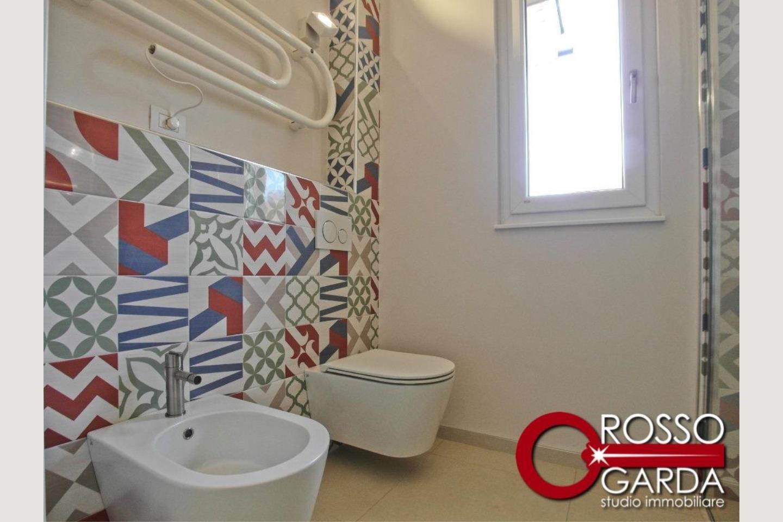 sanitari bagno 2  Villa in classe A vendita Lonato