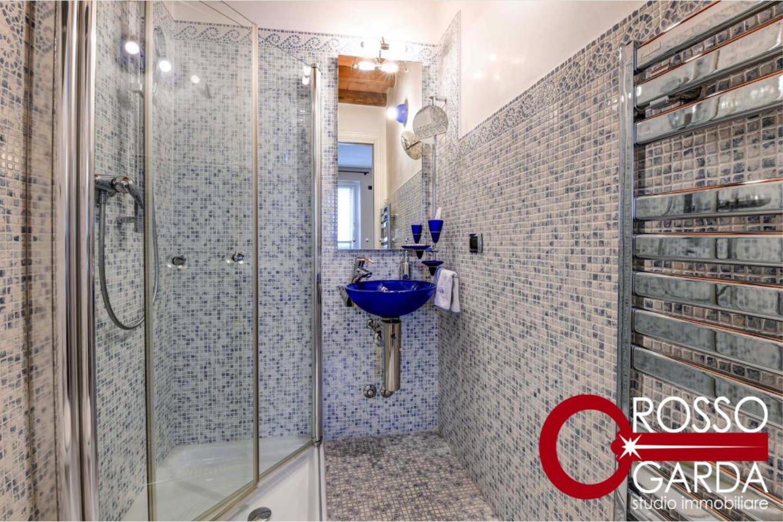 Attico centro storico vendita Desenzano bagno