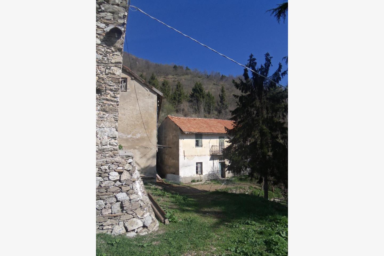 Rustico / Casale in Vendita Castelvecchio di Rocca Barbena