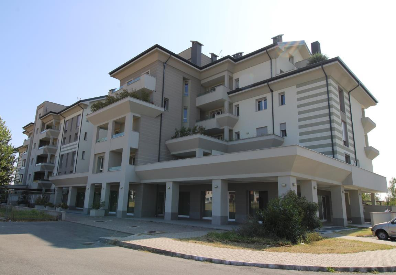 Ampio 4 locali e doppi servizi con terrazzo