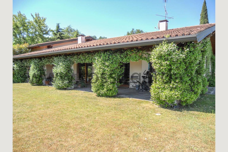 Portico di Villa vista lago San Felice vendita