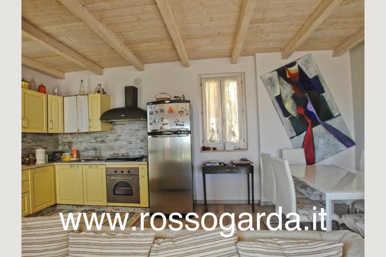 Villa Bifamiliare vendita Padenghe cucina