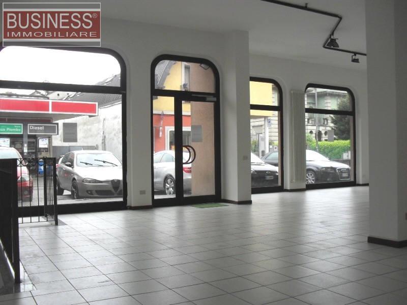 LISSONE (MB) - negozio di mq. 160 con sottonegozio di mq.100