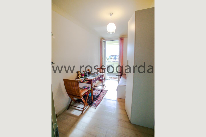 Camera di attico in vendita a Desenzano d/G