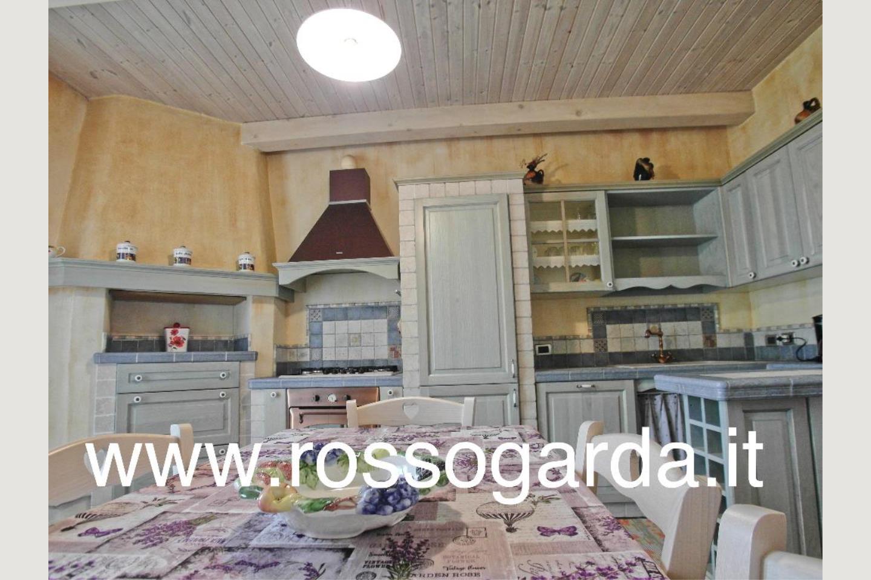 villa in vendita Padenghe Cucina