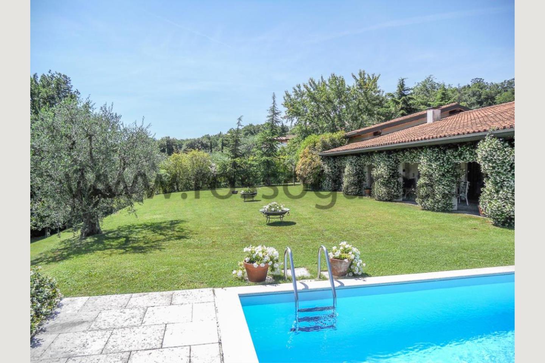 Giardino di Villa vista lago San Felice vendita